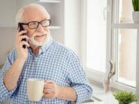 Cellulari e smartphone per anziani